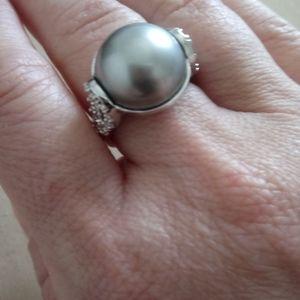 Lia Sophia ring size 7